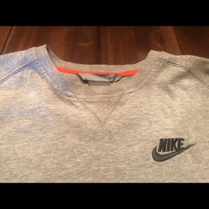 Nike boys gray shirt size small